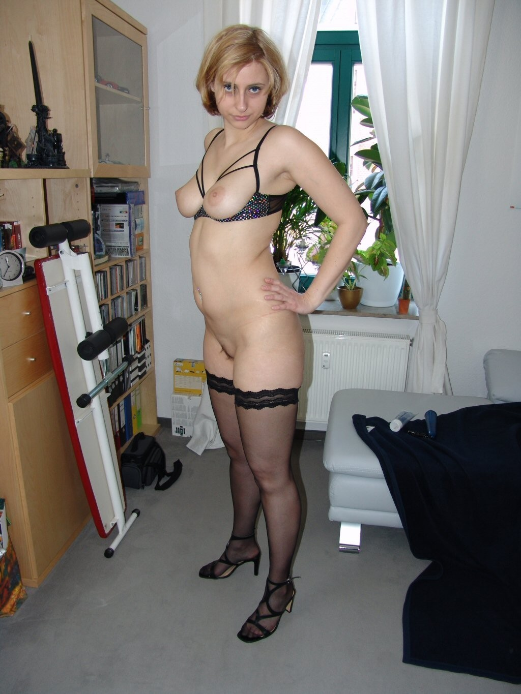 thumbnail pictures mature women in stockings
